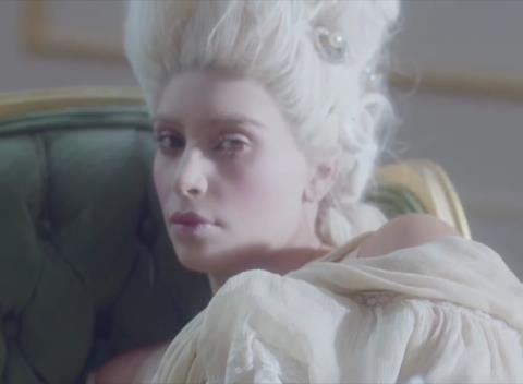 Kim  Kardashian, nouvelle Marie Antoinette  51897410