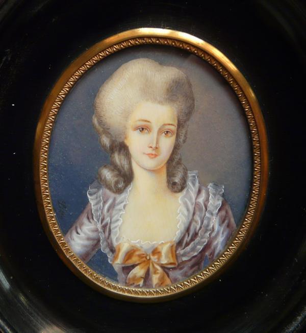A vendre: miniatures de Marie Antoinette? - Page 3 A10