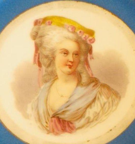 A vendre: Louis XVI et Marie Antoinette - Page 2 Zzz12