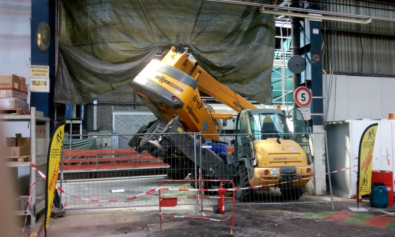 ACCIDENTS DE GRUES (Monde) - Page 92 Img_2019