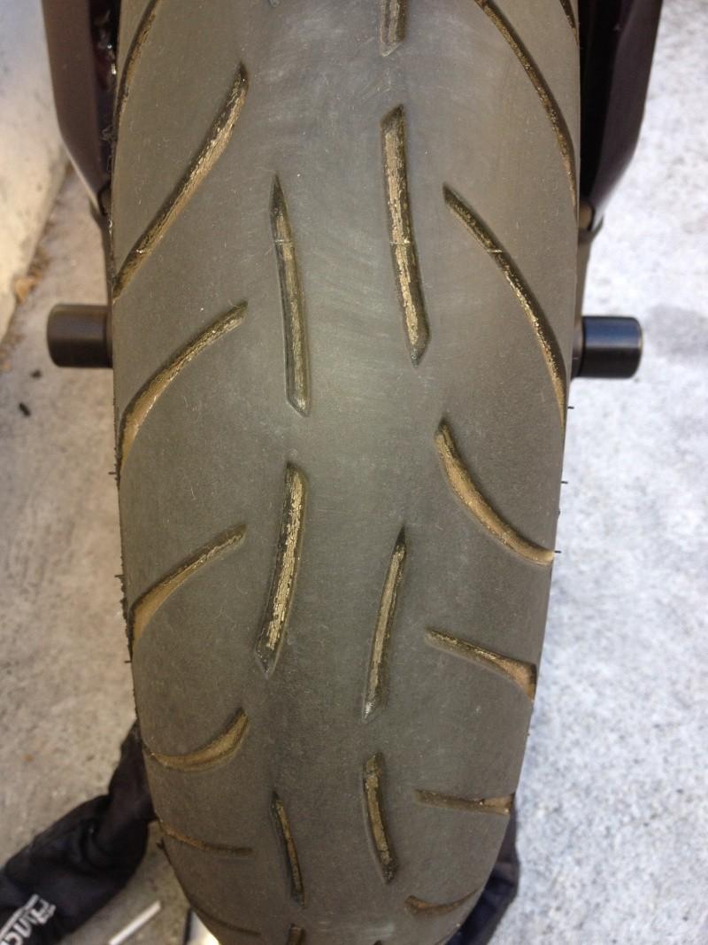 Comparo pneu hypersport Moto et motards Img_0810