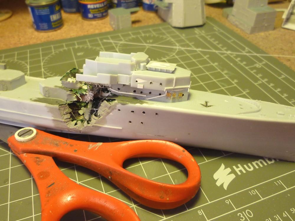 Escorteur d'escadre Surcouf  Heller 1/400 + L'ARSENAL  - Page 3 E_e_su23