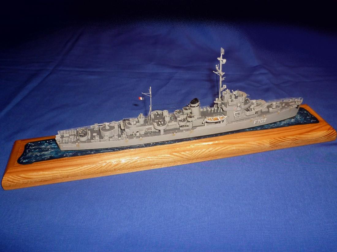Destroyer d'escorte Le Sénégalais (Trumpeter) Synyga11