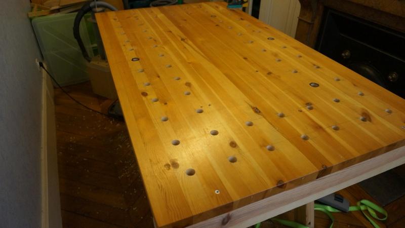 Une table légère avec peut être une défonceuse Dsc02111