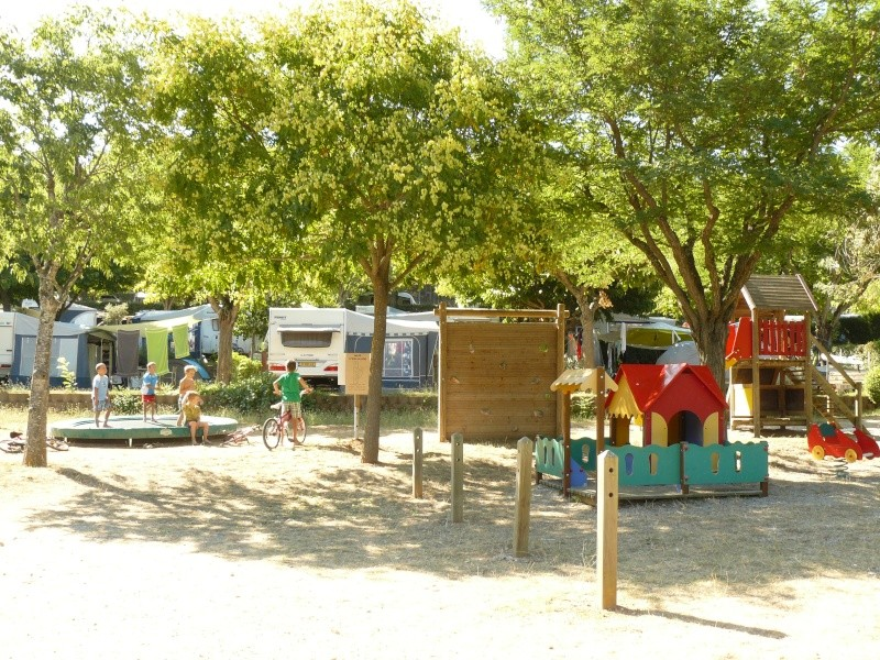 Camping les Pins, les Salles sur Verdon P1180915