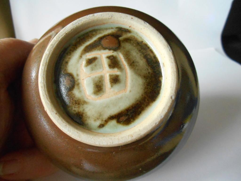 Takeshi Yasuda? Box/Lidded Bowl - Help to identify maker please Dscn4412