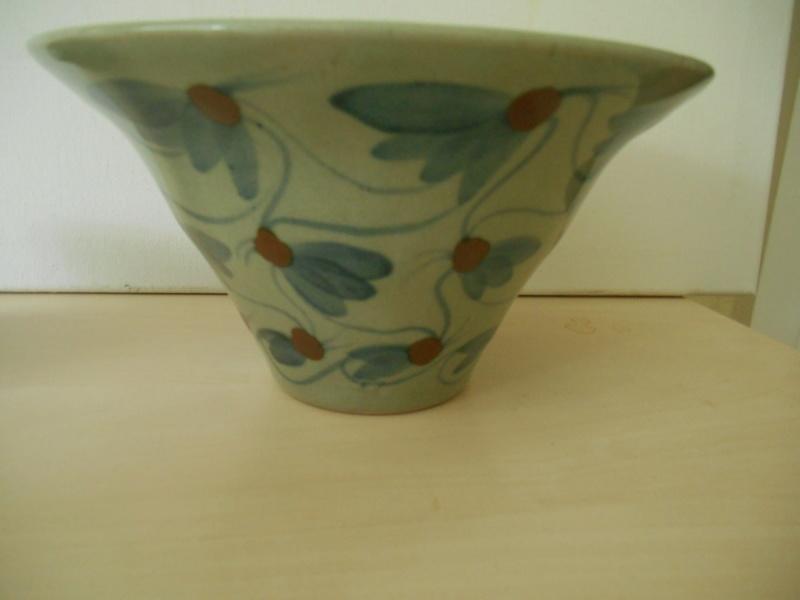 Help re. Potter pl celadon colour glaze - 2 marks R C plus another Dscn7831