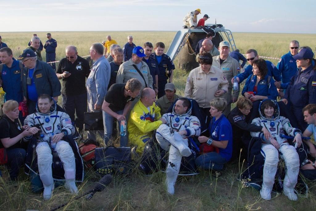 """[ISS] Expédition 43 """"Déroulement de la mission"""" - Page 7 11402311"""