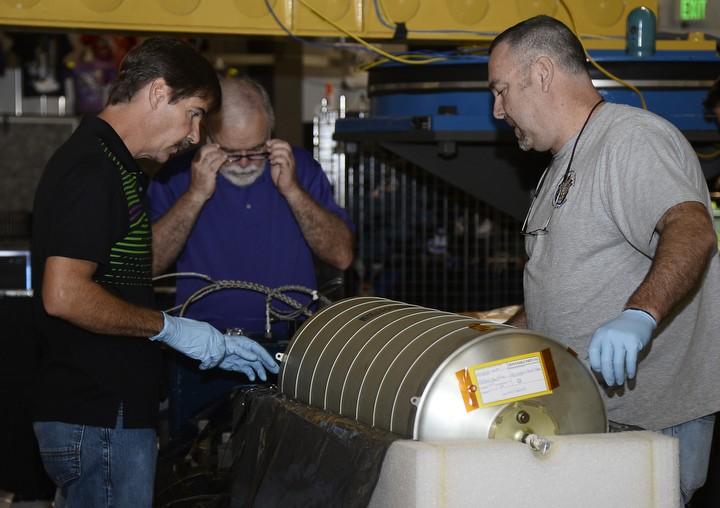 Récupération des réservoirs d'Endeavour pour une utilisation sur ISS Endeav10