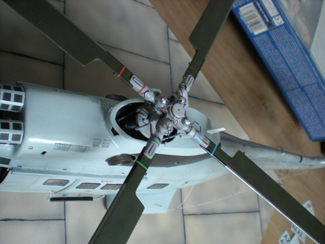 SA-330 Puma -1/32 -Revell - Page 2 Dscn8011
