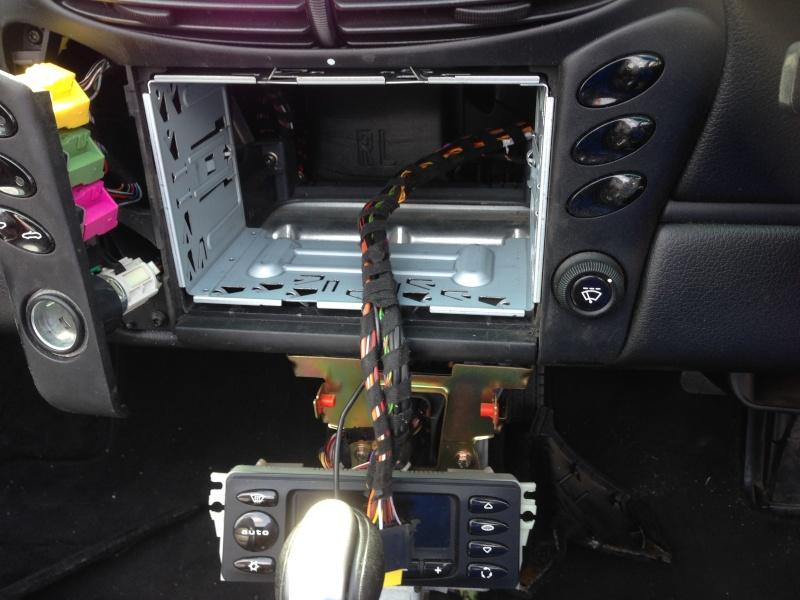 Installation d'un Autoradio Double Din GPS Universel AS8101 [Dispo ICI !] - Page 3 Img_2313
