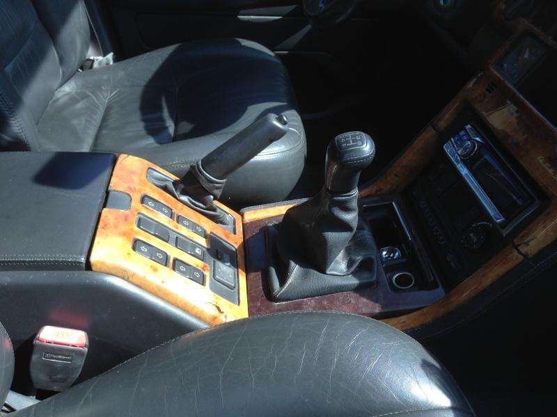 [VDS] Volants cuir et bois, GPS, etc... Img_2320