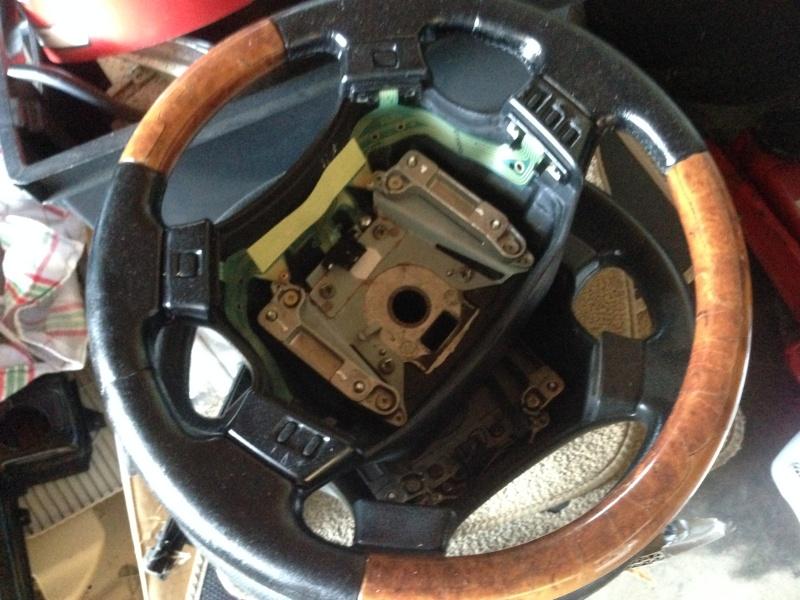 [VDS] Volants cuir et bois, GPS, etc... Img_2410