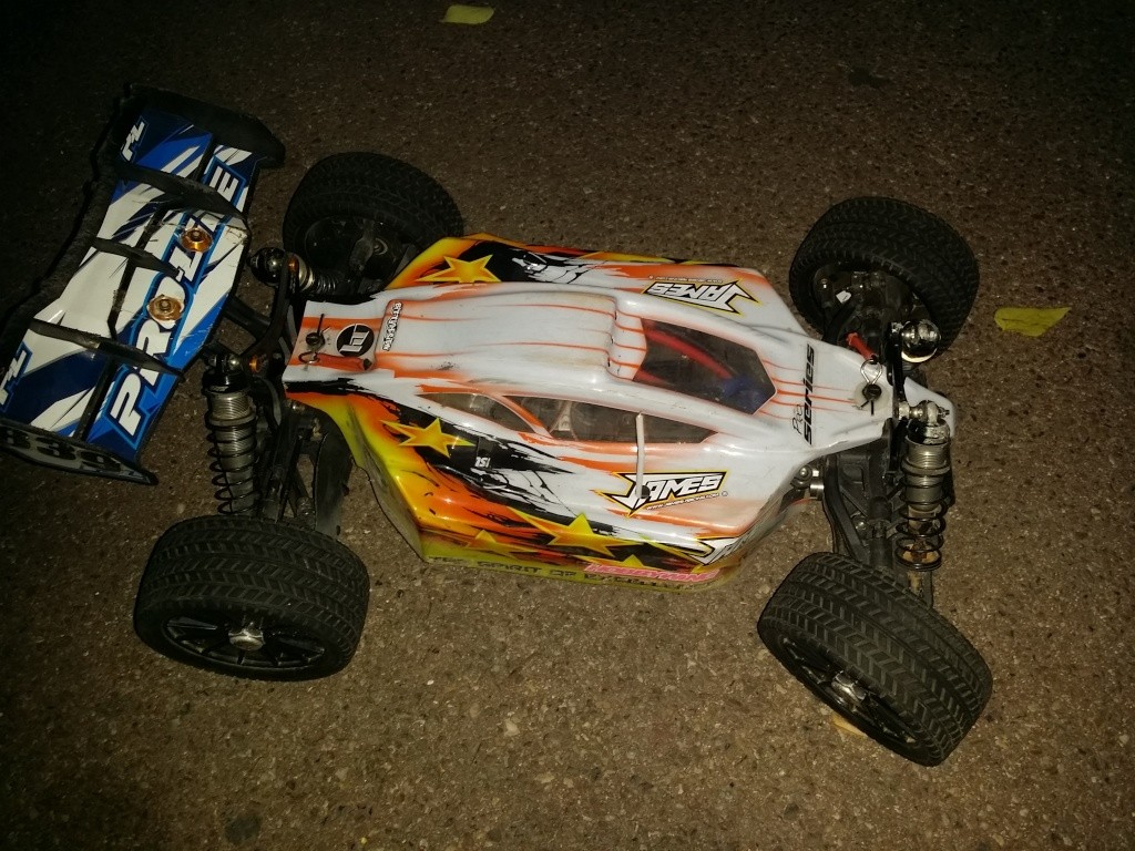 HobbyTech Buggy EPX2 1/8 tt - Page 6 20150734