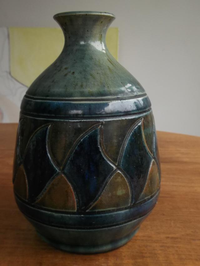 """Old incised vase 8"""" 2012-013"""