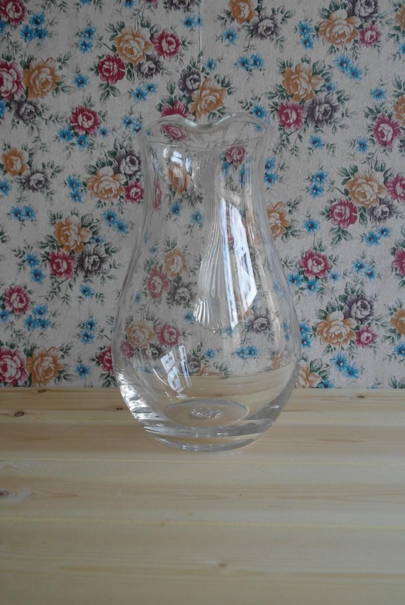 Glass Jug Swirl Handle Flower or Cartwheel Stamp? Sam_3810