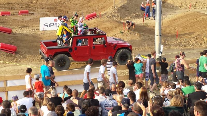 un Hummer H1 au supercross d'Estillac... 20150710