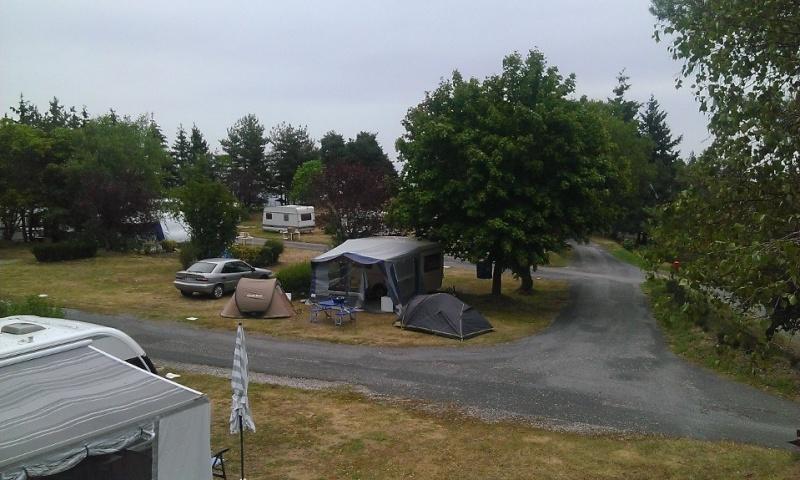 """Camping """"Le Châtelard"""" dans les Monts du Lyonnais 11855710"""
