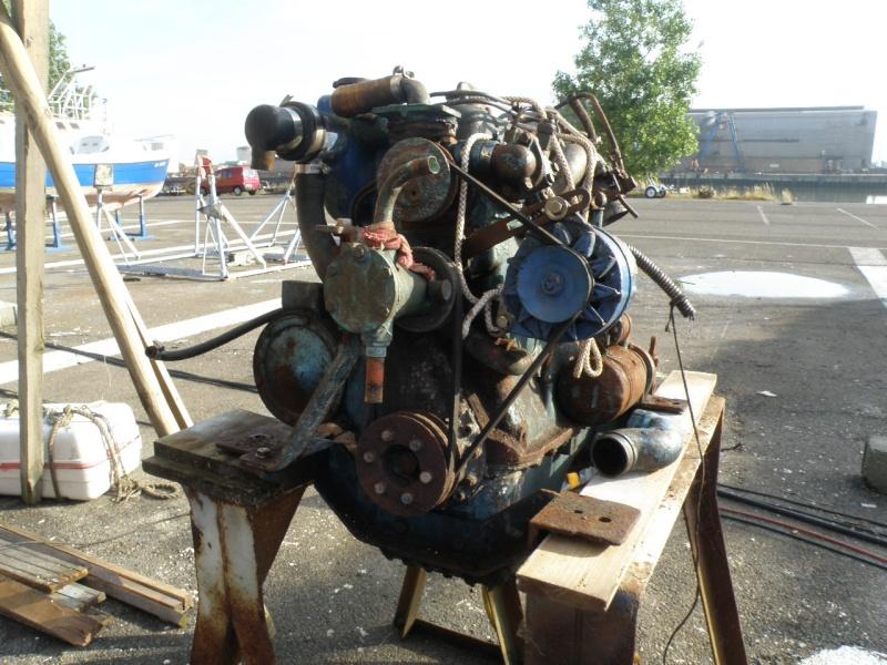 Un OM 636 en cale sèche P6131413