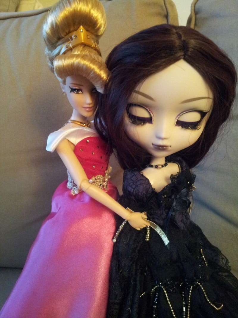 Disney Princess Designer Collection (depuis 2011) - Page 40 20150833