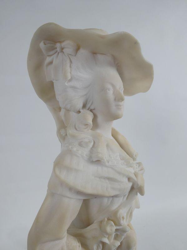 A vendre : statuette en marbre représentant la Reine Marie-Antoinette 14335014