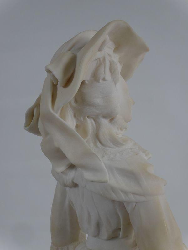 A vendre : statuette en marbre représentant la Reine Marie-Antoinette 14335017
