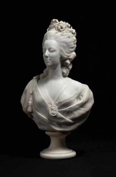 A vendre: bustes Marie Antoinette - Page 3 14344610