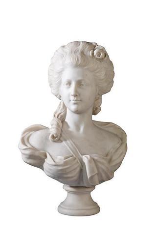 A vendre: bustes de Marie Antoinette? - Page 2 7a7b9e10