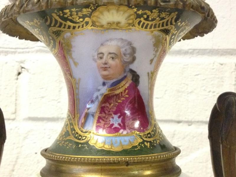 A vendre: Louis XVI et Marie Antoinette - Page 2 _5724