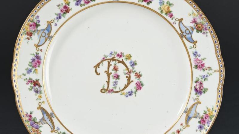 A vendre: meubles et objets divers XVIIIe et Marie Antoinette - Page 3 Xvma5210