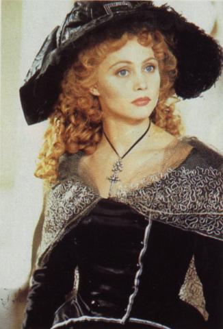 Marie Antoinette, reine d'un seul amour de Caroline Huppert, avec Emmanuelle Béart - Page 2 Zbaart11