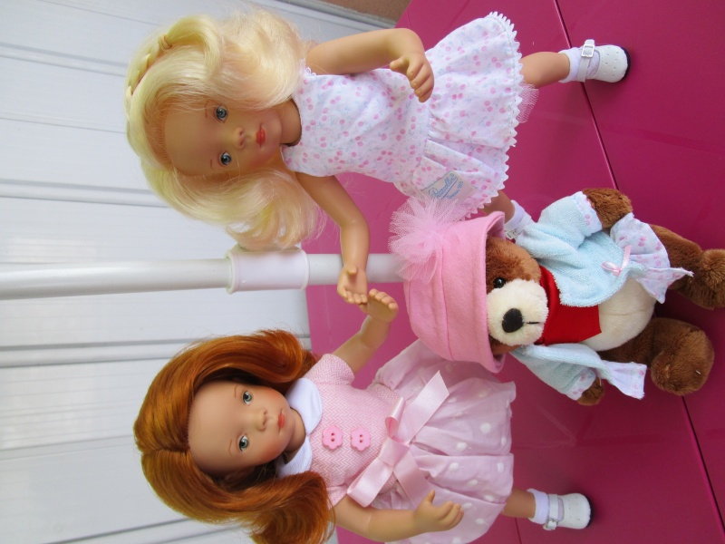 elles sont arriver les nouvelles petites minouches la délicieuse blonde Joelle et la sublime rousse Nathalie Img_0410