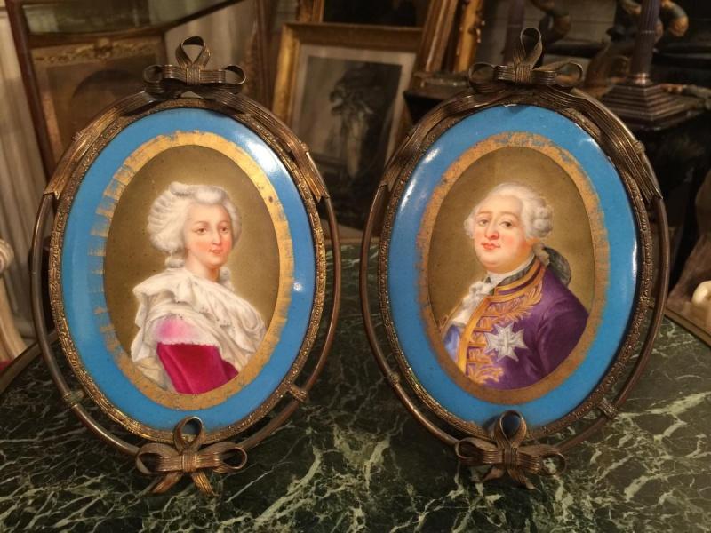 A vendre: Louis XVI et Marie Antoinette - Page 2 11605310
