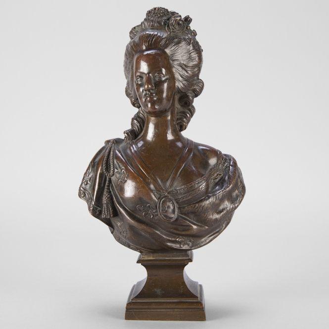 A vendre: bustes Marie Antoinette - Page 3 2500x210