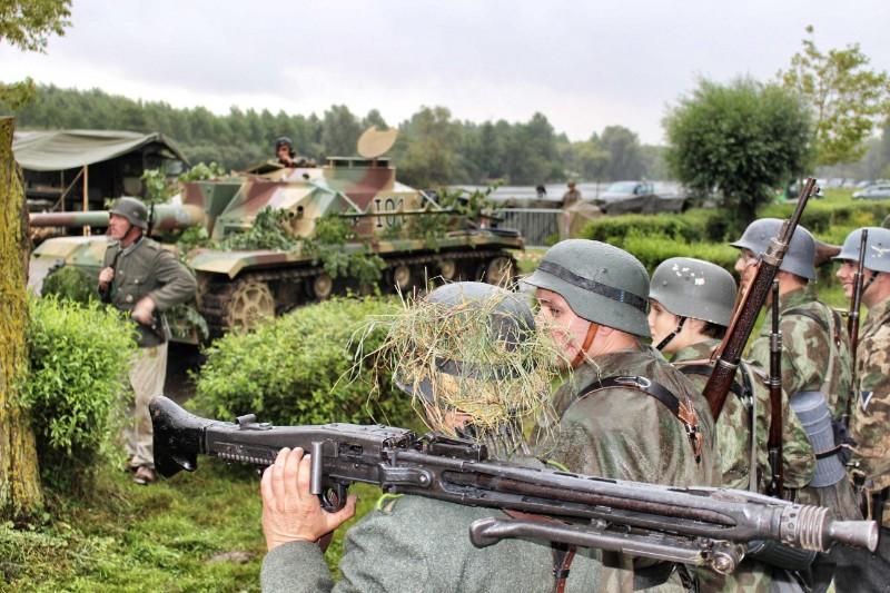 Elingen Le Tank Hunter  Pyronn13