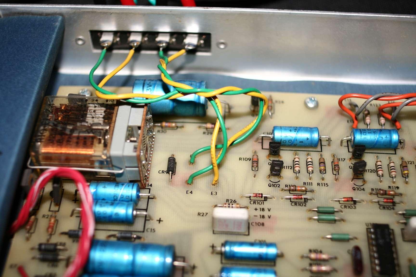 Filtre actif JBL UREI 5234 Input_11