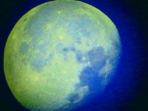 Pleine lune (ou presque, décroissante d'une 1/2 journée) 410