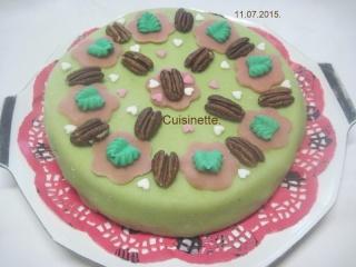 Gâteau fourré à la crème au beurre chocolaté.photos. Img_8158