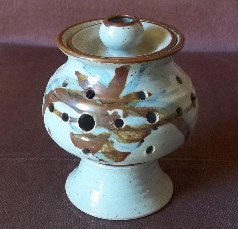 wm and ap mark - Steve Marr, Warmingham Mill Pottery 100_2430
