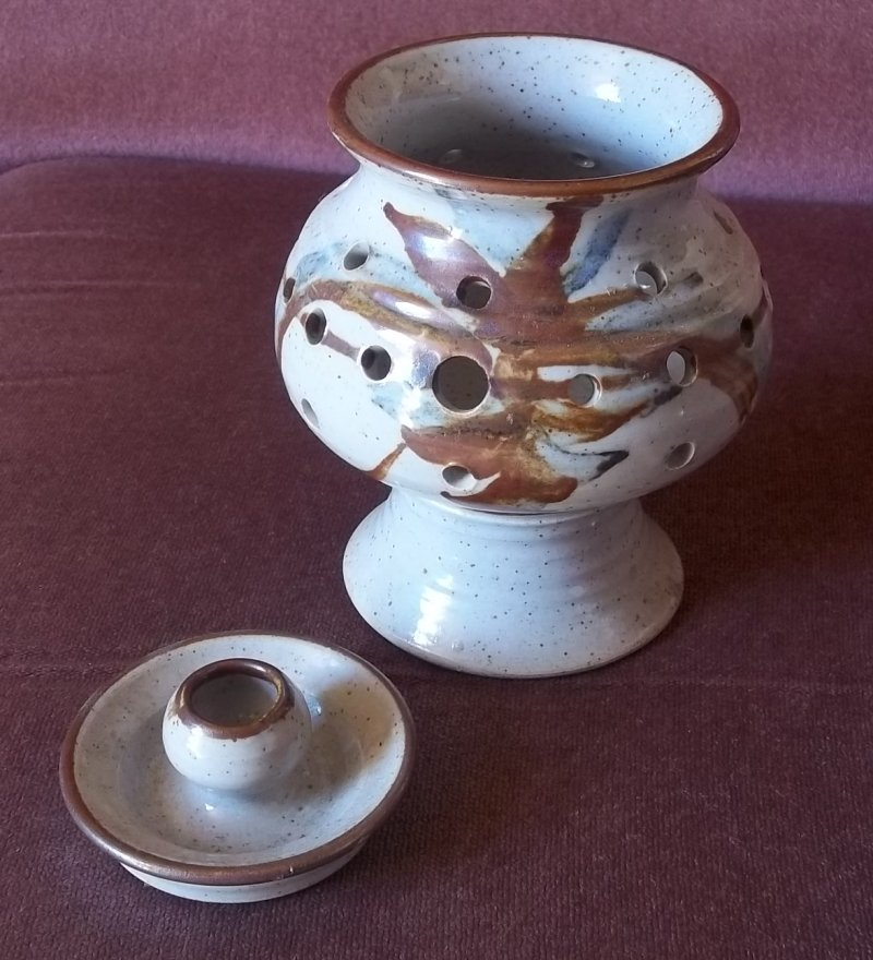 wm and ap mark - Steve Marr, Warmingham Mill Pottery 100_2431