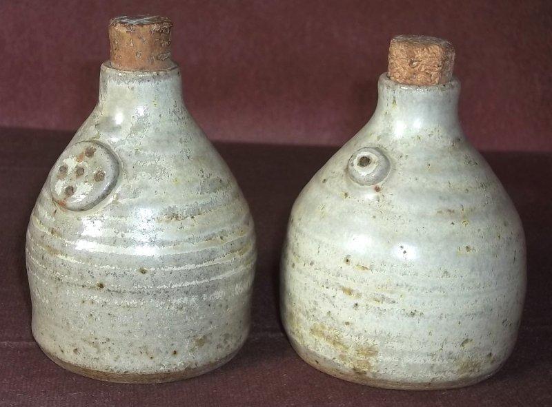 Studio stoneware salt & pepper 100_2521