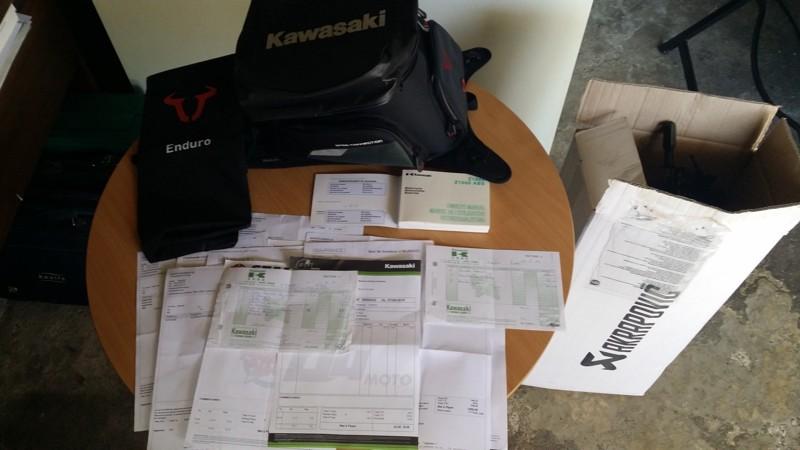 [VENDU] Kawasaki Z1000 noire de 2014, garantie 2018 Factur10
