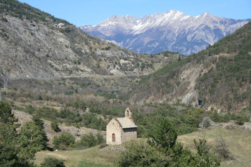 petite chapelle dans les alpes de hautes provences Img_0110