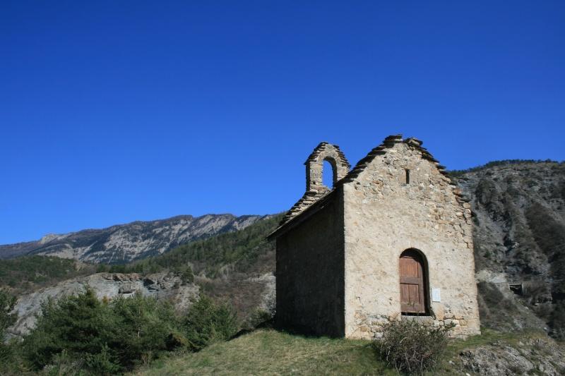 petite chapelle dans les alpes de hautes provences Img_0111