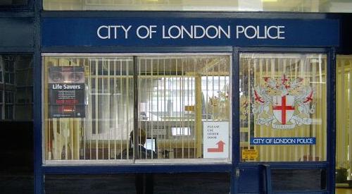 11- Poste de Police londonnien (Londres) Police10