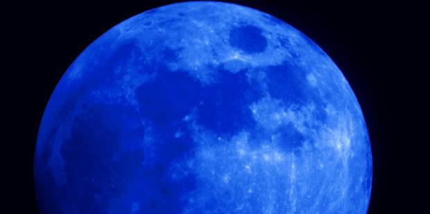 La lune bleue. 55bb4610