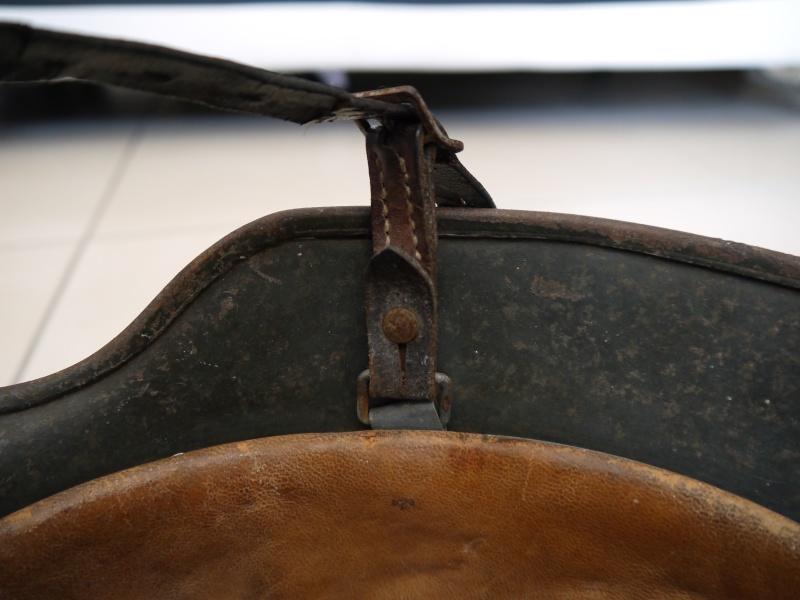 La jugulaire du casque allemand P1030010