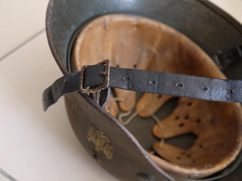 La jugulaire du casque allemand P1030011