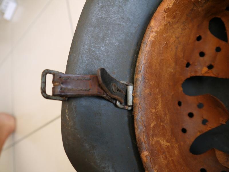 La jugulaire du casque allemand P1030013