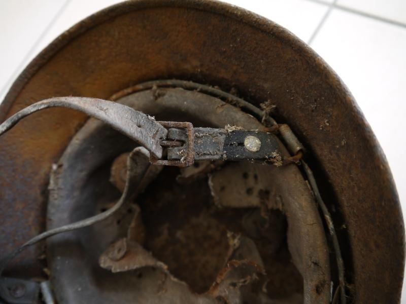La jugulaire du casque allemand P1030015